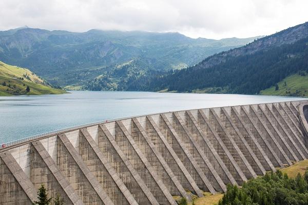 « Total pourrait être le Free de l'électricité » : ce que les consultants disent du rachat de Direct Energie
