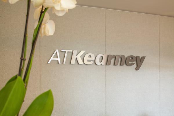A.T. Kearney à vendre ?