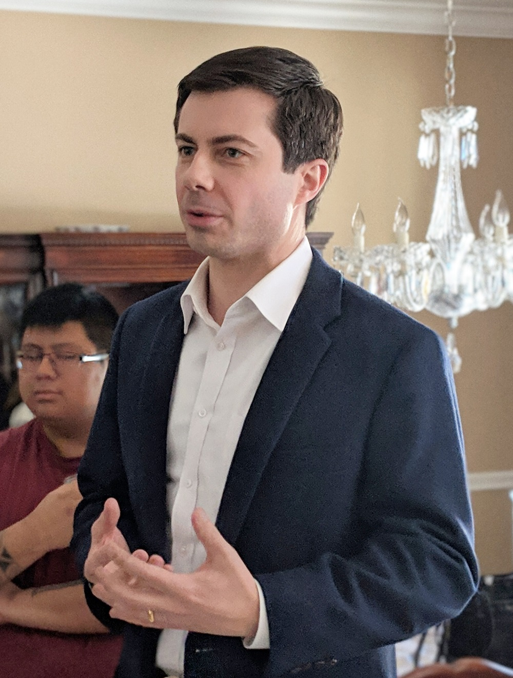 Pete Buttigieg 33249197628 cropped